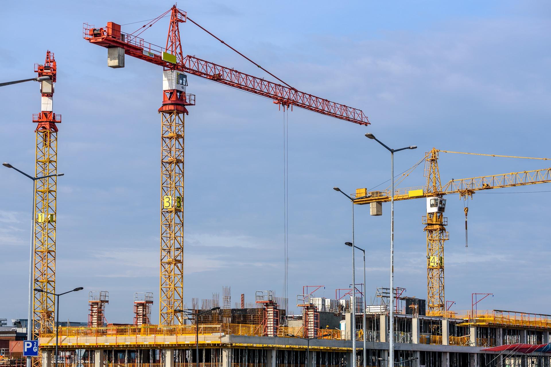 Gruas – a maximização do transporte vertical no canteiro de obras
